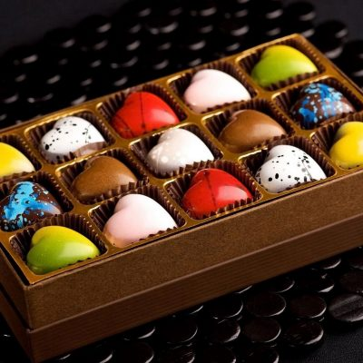 رنگ آمیزی شکلات